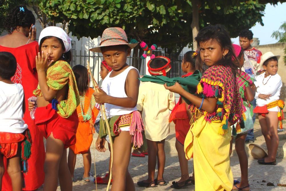 """Colombia - El sistema normativo de los Wayuus, aplicado por el pütchipü'üi (""""palabrero""""), procedimientos y ritos que rigen la conducta social y espiritual de la comunidad."""