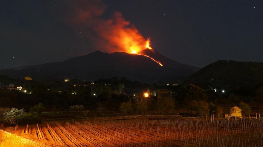 Nueva erupción del Etna, con emisión de lava y cenizas