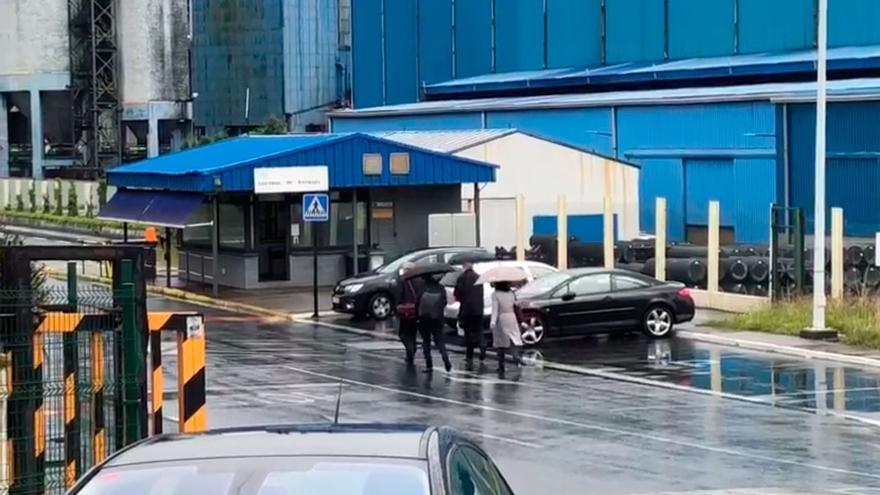 Los interventores judiciales entran en la fábrica coruñesa de Alu Ibérica