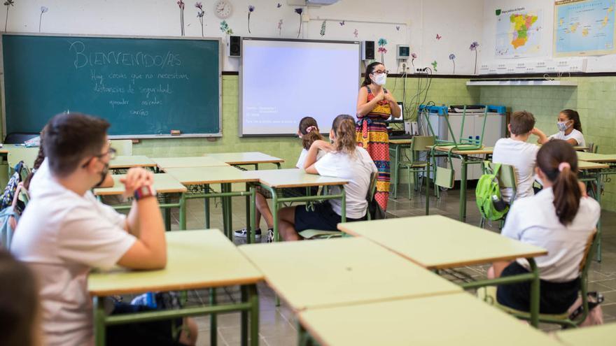 Educación invierte 7 millones para comprar equipos informáticos para los centros