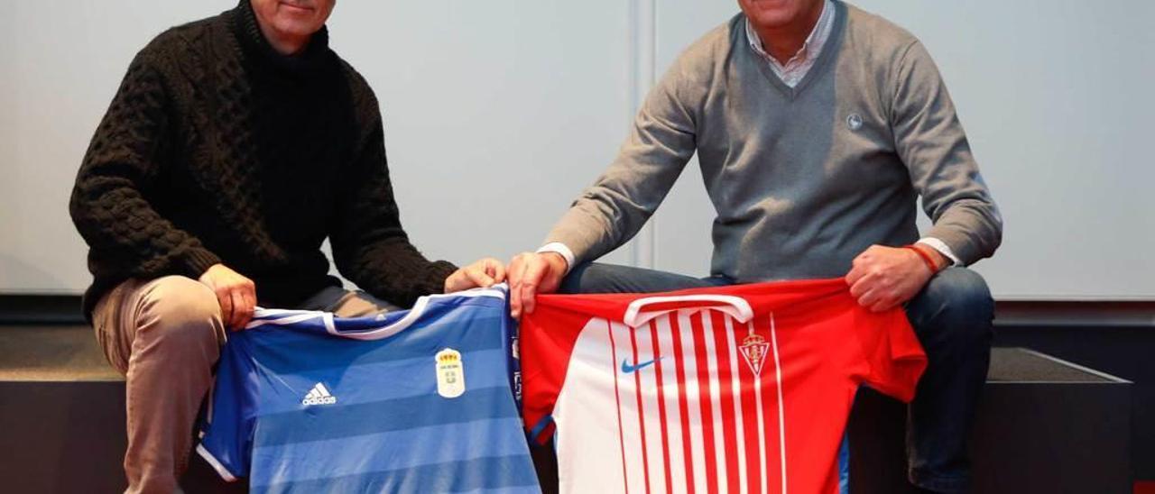 Quique Marigil y Pepe Acebal, con las camisetas del Oviedo y el Sporting.