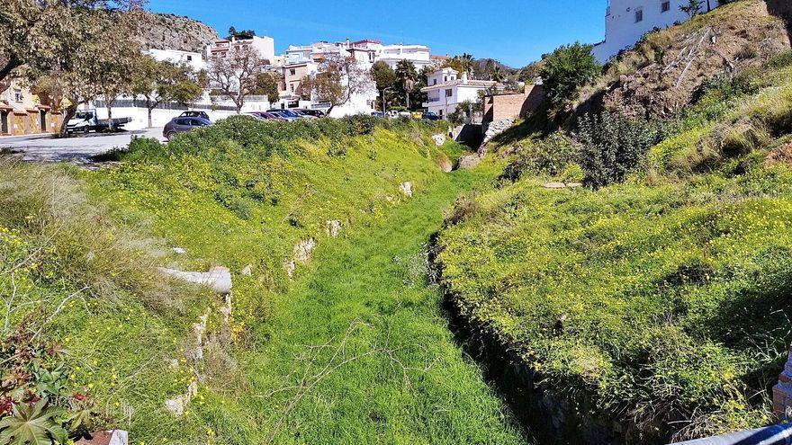 Esplendor sobre la hierba en el arroyo del Cuarto