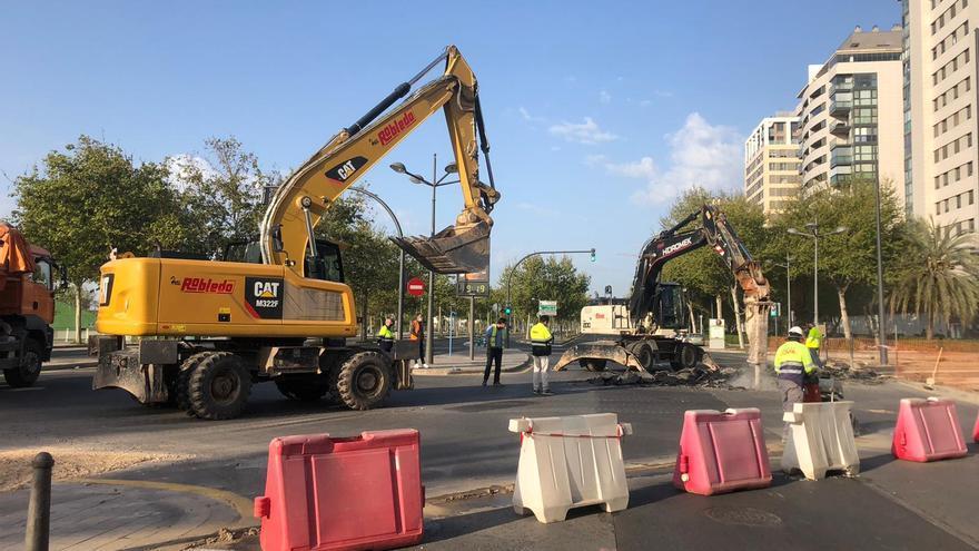 Cortada la avenida Antonio Ferrandis de València por las obras del tranvía