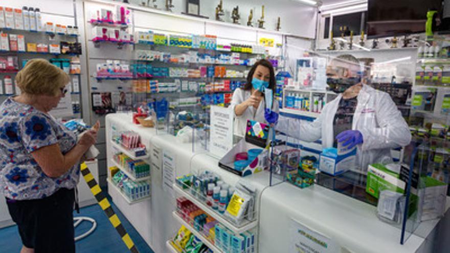 Enfermos que toman medicamentos del hospital podrán recogerlos en la farmacia, en su centro de salud o en su casa