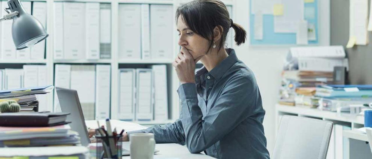 La distancia salarial es mayor en profesiones técnicas.