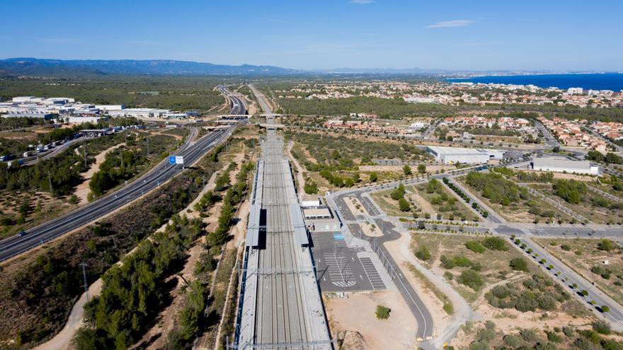 El eje mediterráneo moviliza 101.000 toneladas de mercancías al día