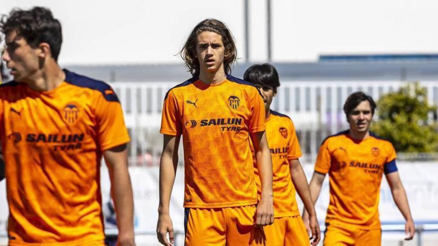 El juvenil Yarek llama la atención de varios clubes