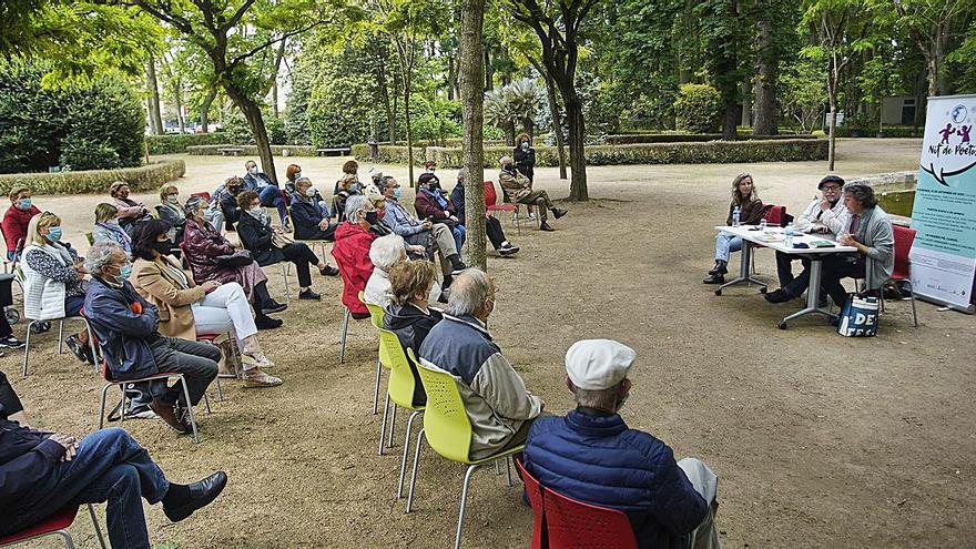 Els Jardins de la Devesa acullen la presentació de «Poesia Forestal»