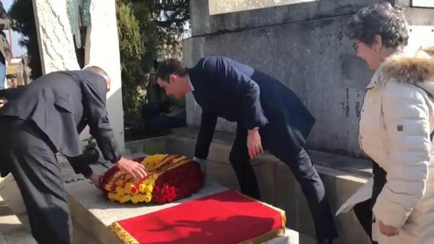 Sánchez homenajea a Azaña y al exilio español en Francia