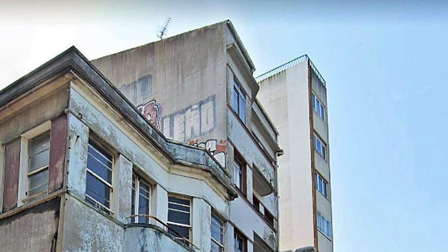 Vecinos de Perillo piden demoler también el edificio del café Ideal