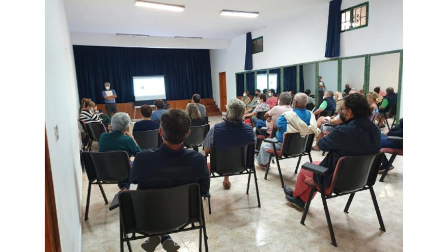 El equipo de gobierno escucha a los vecinos de Conil y la Asomada