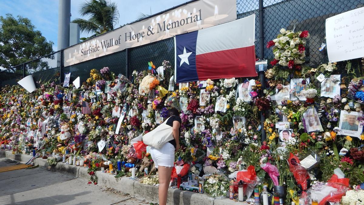El memorial por las víctimas del derrumbe.