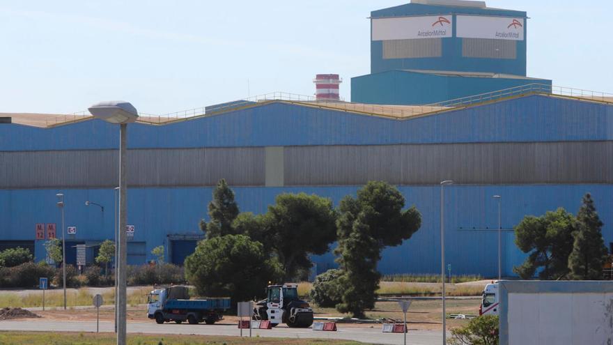 Arcelor alerta de despidos y parálisis de inversiones