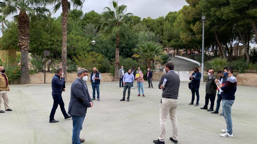 Aspirantes a rediseñar el Parc Nou de Crevillent preguntan dudas del proyecto