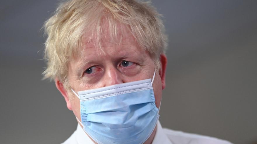Boris Johnson cree que las restricciones podrán levantarse el 19 de julio