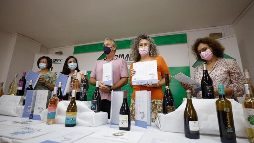 150 cartas para que los restaurantes promocionen los vinos de Ibiza