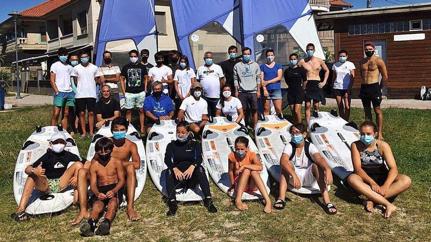 Primera visita del concejal de Deportes al Club Náutico Cangas