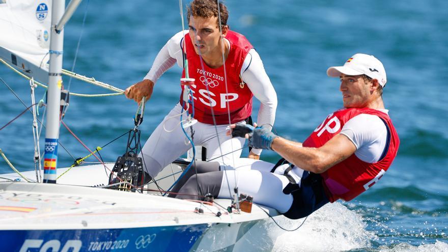 El regatista vigués Nico Rodríguez se alza con la medalla de bronce en sus primeros Juegos Olímpicos