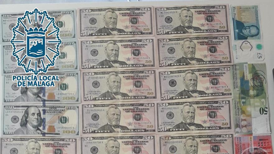 Encuentran y devuelven en el Llano de la Trinidad una carpeta con 1.368 euros en monedas extranjeras