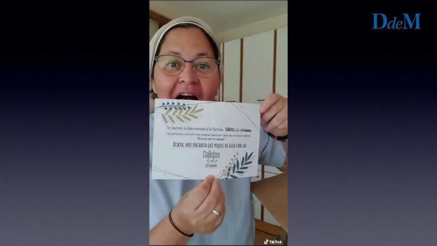 Xiskya Valladares, la monja tuitera que se entusiasma con las galletes d'oli de Artà