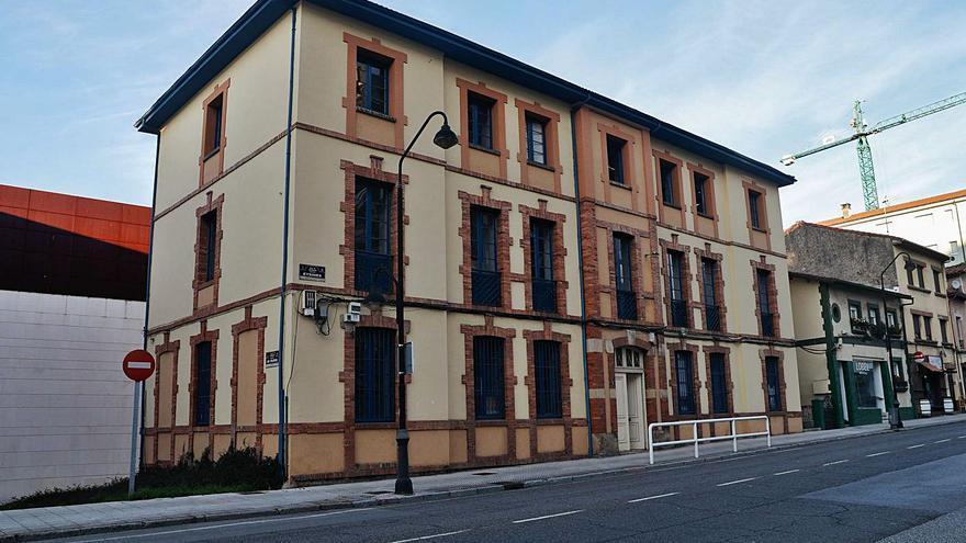 El concejo afronta la rehabilitación de tres edificios emblemáticos