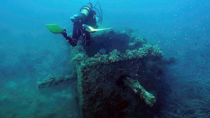 Florentino Pérez dona a El Campello una estructura de 9.000 toneladas de acero y hormigón para su arrecife artificial