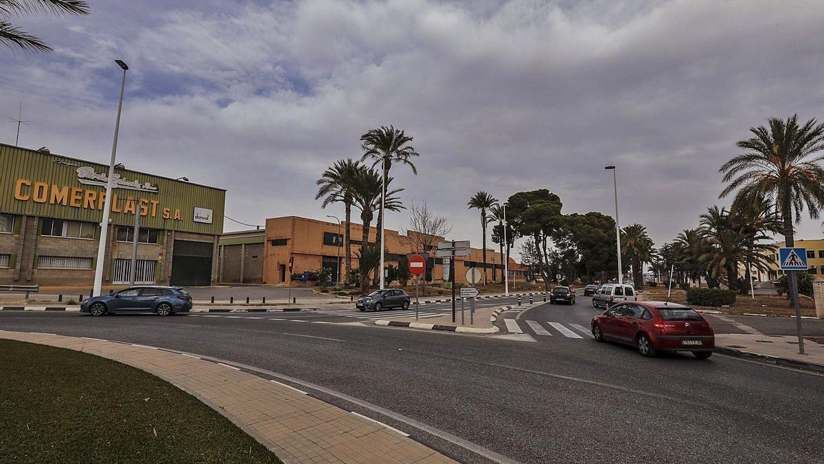 La zona de la carretera de Alicante donde promotores quieren construir un centro de medianas superficies.