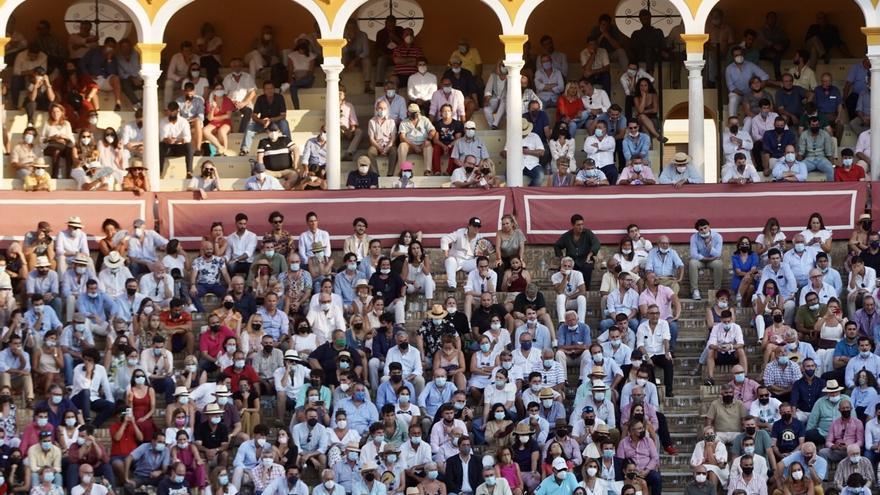Otra oreja de poco peso para Manzanares en tarde solo de esbozos en Sevilla
