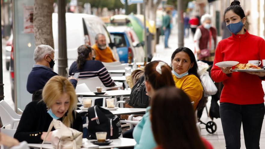 Los hosteleros de Alcantarilla están exentos de pagar la tasa municipal por terrazas hasta 2022