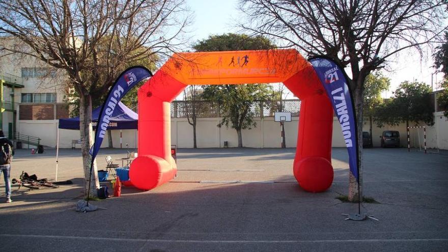 Kilómetros contra el cáncer infantil en el Colegio San José de Espinardo