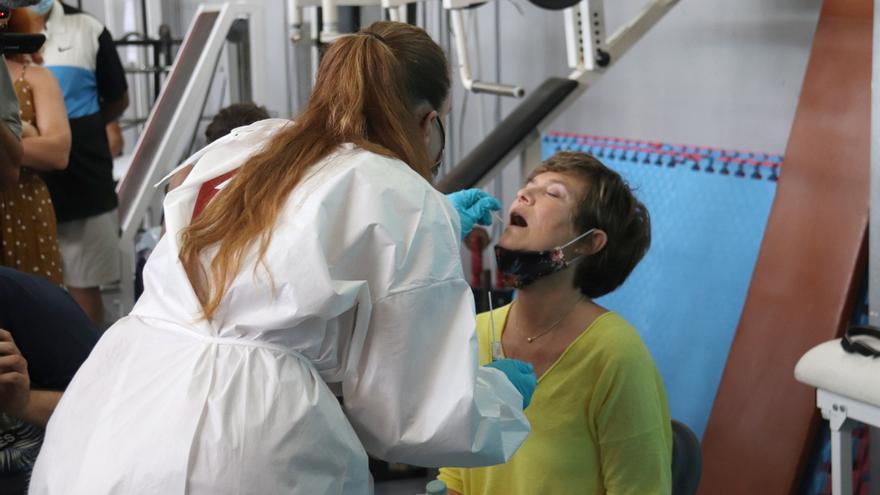 107 nous casos de covid en set dies disparen la velocitat de contagi a Manresa fins al 4,67