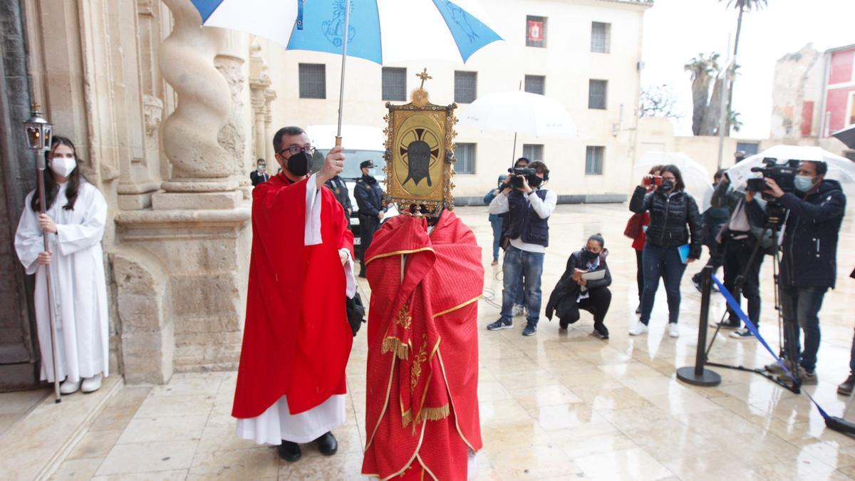 Santa Faz 2021: las imágenes de la Peregrina y la misa en Alicante
