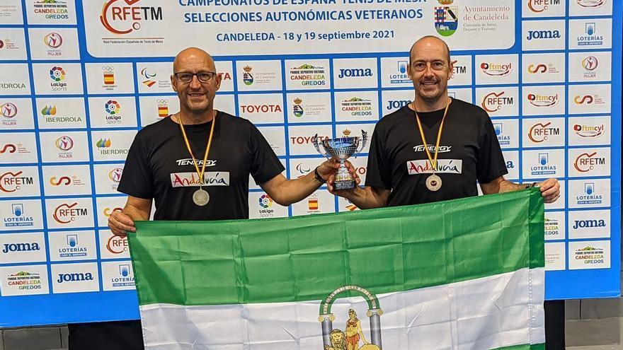 Los prieguenses José Luis y Jesús Machado, campeones de España de tenis de mesa
