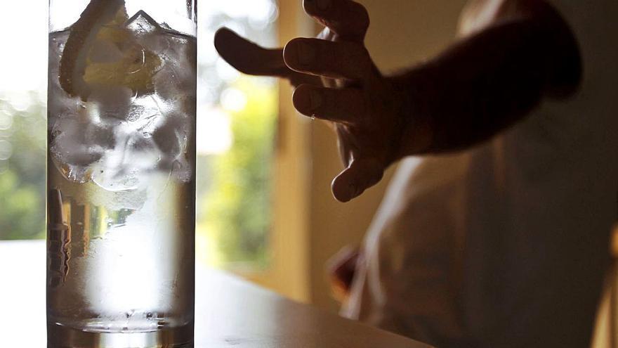 Expertos achacan el aumento del consumo de alcohol a la precariedad económica