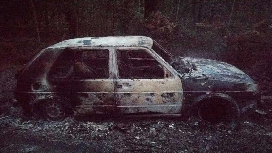 Encuentran quemado un coche robado en Vigo tres días antes