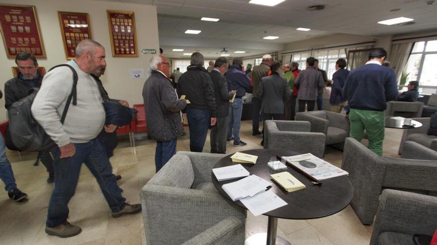 Los socios del Club de Regatas empiezan a votar por su nuevo presidente
