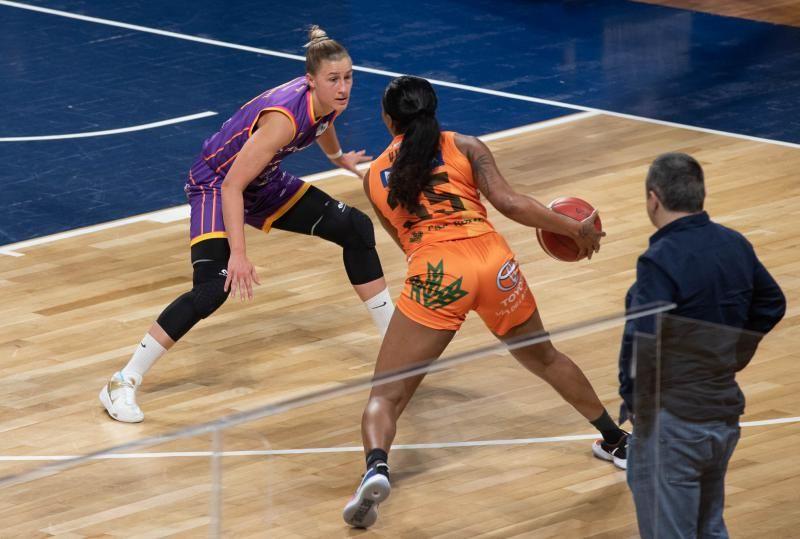 Partido de baloncesto femenino: Clarinos-Quesos El Pastor