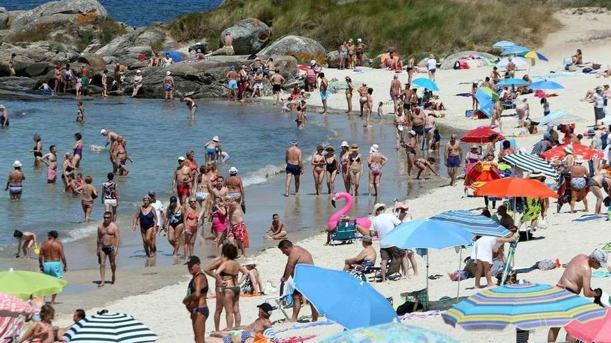 Un cadáver aparece flotando a 600 metros de la playa viguesa de Samil