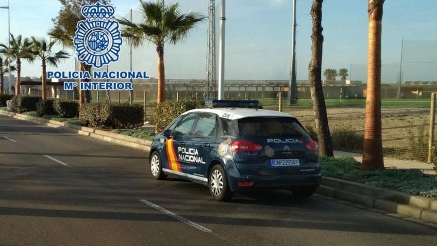 Tres menores apuñalan a otro durante un botellón en Almería