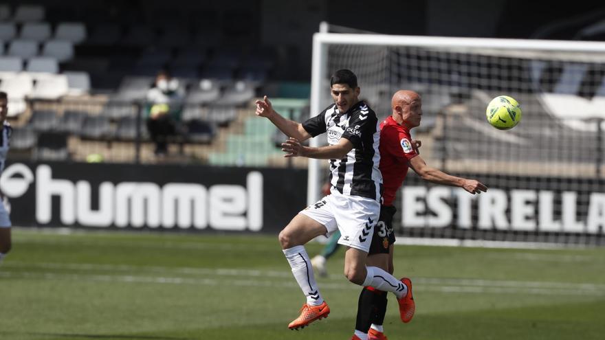 Un gol de Juanto Ortuño acerca al Castellón a la permanencia (1-0)