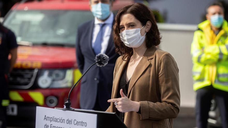 Madrid pedirá el Gobierno administrar la vacuna de AstraZeneca a mayores de 65 años