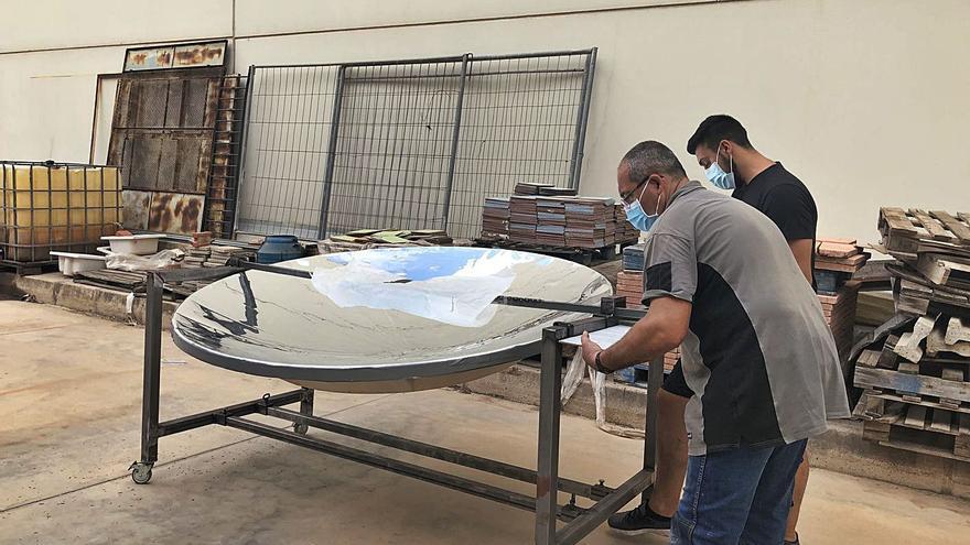 Construyen  en Paterna dos cocinas solares que diseñó la UJI