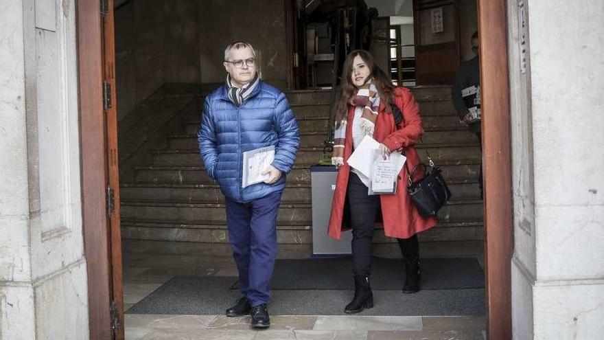 La Policía balear retuvo los móviles de dos periodistas un día sin control judicial