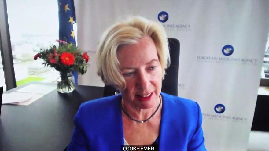 La Agencia Europea defiende que los beneficios de la vacuna de AstraZeneca superan los riesgos