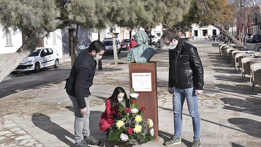 Flores para 'Las Rojas del Molinar' 84 años después de su fusilamiento