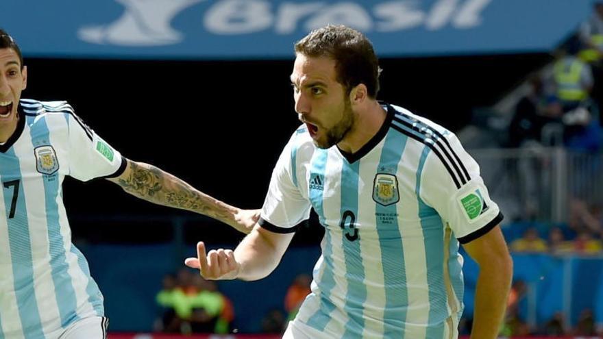 Higuaín anuncia que deja la selección argentina