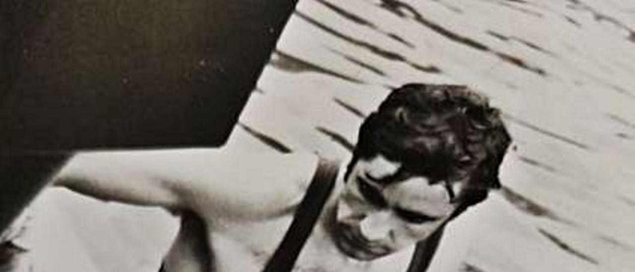 Cueto, sobre la piragua en una prueba representando a España.