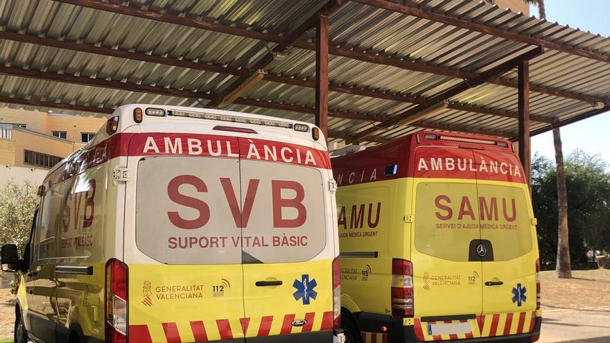Herida grave tras chocar con su moto contra un coche en Ontinyent