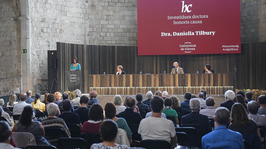 Daniella Tilbury: «Hem de canviar perquè l'impacte en el nostre planeta sigui més limitat»