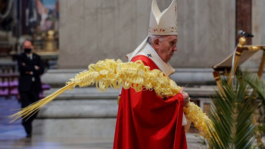 """El Papa pide ayudar a tantas personas """"en dificultad"""" por la crisis económica"""